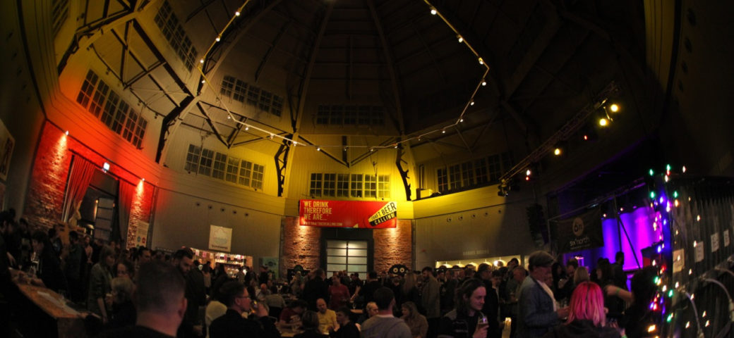 Image shows the opening night of cRaft Beer Calling, sponsored by Simpsons Malt
